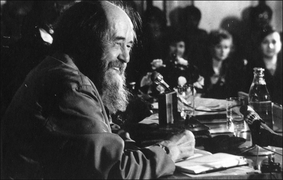 Александр Исаевич Солженицын на встрече с рязанцами 8.10.1994 года. Фото Евгения Каширина, Рязанский 'Мемориал'